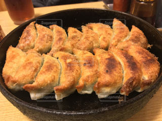 鉄鍋餃子の写真・画像素材[1006071]