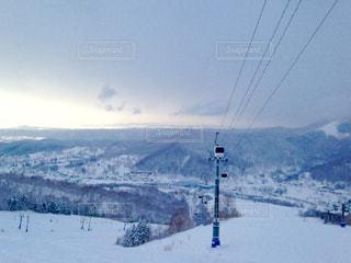 雪に覆われた山 - No.1006798
