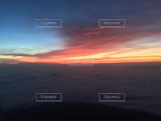 富士山から朝日を待っての写真・画像素材[1006873]