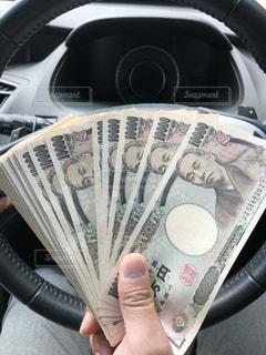 100万円の現金の写真・画像素材[1109055]