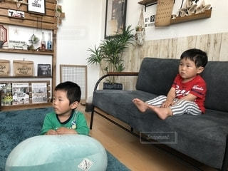 休日の息子たちの写真・画像素材[1139098]