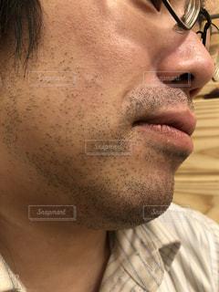 ヒゲ面の男性の写真・画像素材[1151374]