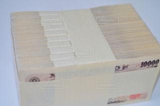 一千万円分の一万円札の写真・画像素材[1248614]
