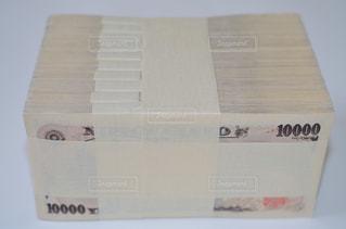 一千万円分の一万円札の写真・画像素材[1248615]