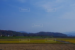 田舎の空と山の写真・画像素材[1652187]