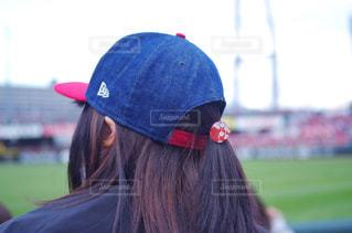 野球場で応援する女性の写真・画像素材[2019256]