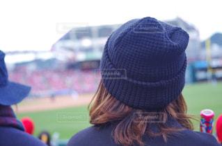野球場で応援する女性の写真・画像素材[2019257]