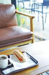 カフェ レストラン テーブルと椅子の写真・画像素材[2234913]