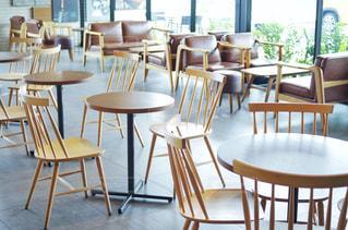 カフェ レストラン テーブルと椅子の写真・画像素材[2234920]