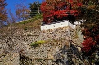 備中松山城 石垣と土塀の写真・画像素材[2787164]