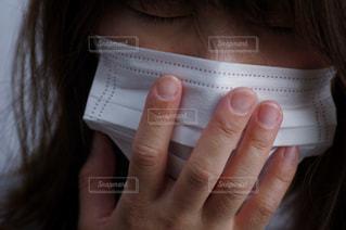 マスクをする女性 マスク 病気の写真・画像素材[3100947]