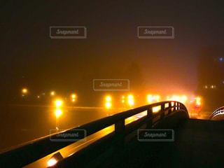 夜、トラックの鉄道の写真・画像素材[1006634]