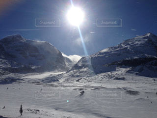 雪に覆われた山 - No.1008532