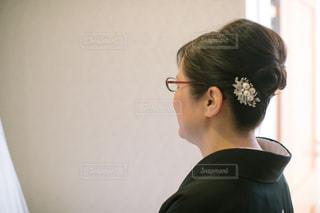カメラを見てメガネの人の写真・画像素材[1131304]