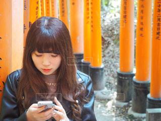 京都伏見稲荷で彼氏が撮ってくれた、風の写真・画像素材[1007528]