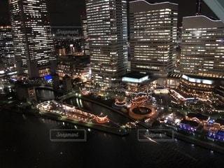 夜の街の景色の写真・画像素材[1044363]