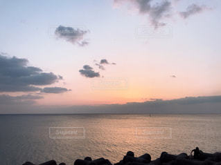 沈む夕日の写真・画像素材[1187180]