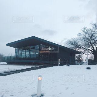 雪に覆われた家の写真・画像素材[1014741]