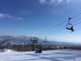 雪の覆われた山々 の景色 - No.1010867