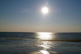 夕暮れの海岸の写真・画像素材[1014675]