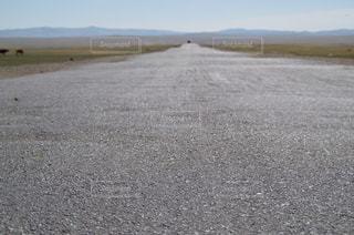 果てしない道の写真・画像素材[1010224]