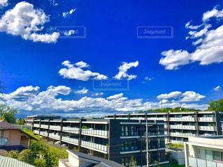 大きな建物 - No.1010734
