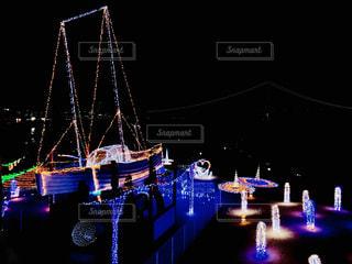 夜はライトアップ ボート - No.1014879
