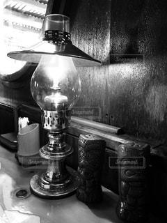 ランプの灯りの写真・画像素材[1018859]