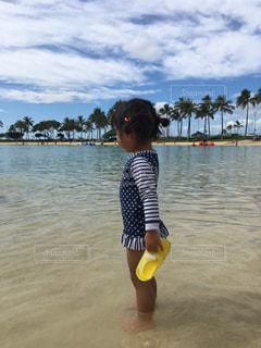 海辺の子供の写真・画像素材[1010550]
