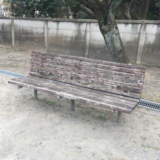 木のベンチの写真・画像素材[1018464]