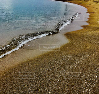 穏やかな海、波打ち際イメージの写真・画像素材[1011167]