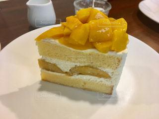 マンゴーショートケーキの写真・画像素材[2288308]