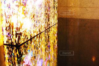 建物は夜ライトアップの写真・画像素材[1011904]