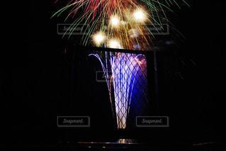 空に花火の写真・画像素材[1011956]
