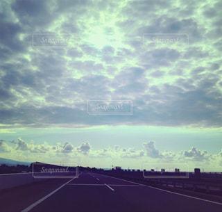 高速道路の雲 - No.1012200