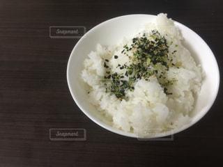 ふりかけをかけた白いご飯 - No.1012264