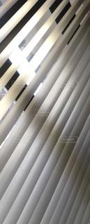 ブラインドの窓の写真・画像素材[1041494]