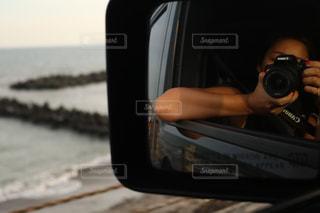 車のサイドミラー ビューの写真・画像素材[1013154]