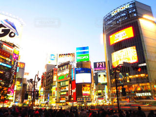 渋谷スクランブル交差点の写真・画像素材[1030789]