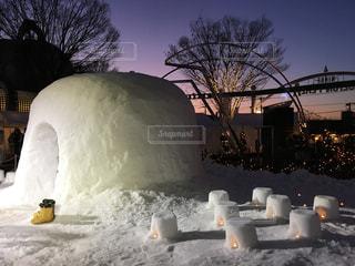 雪に覆われた建物の写真・画像素材[1014174]