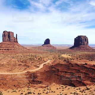 砂漠の山と渓谷 - No.1083861