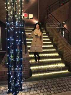 階段と女性。の写真・画像素材[1018393]