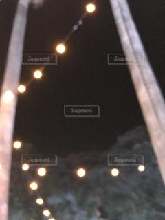 夜、トラックの鉄道の写真・画像素材[1017396]