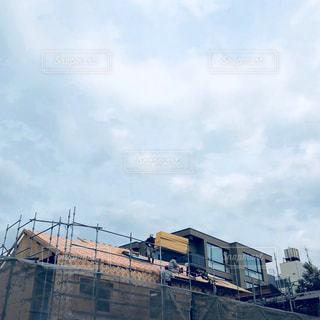空と屋根の写真・画像素材[1017021]