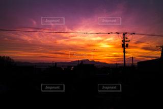夕暮れ時の都市の景色の写真・画像素材[1069738]