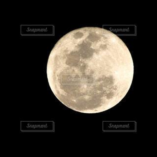 満月の夜の写真・画像素材[1017419]