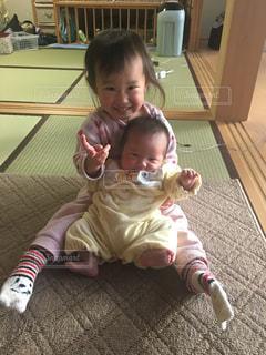 仲良し姉妹の写真・画像素材[1019874]