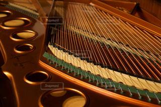 ピアノ内部の写真・画像素材[1070558]