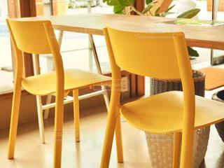 黄色い椅子の写真・画像素材[1167741]