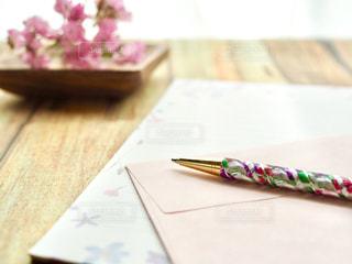 手紙を書くの写真・画像素材[1174379]